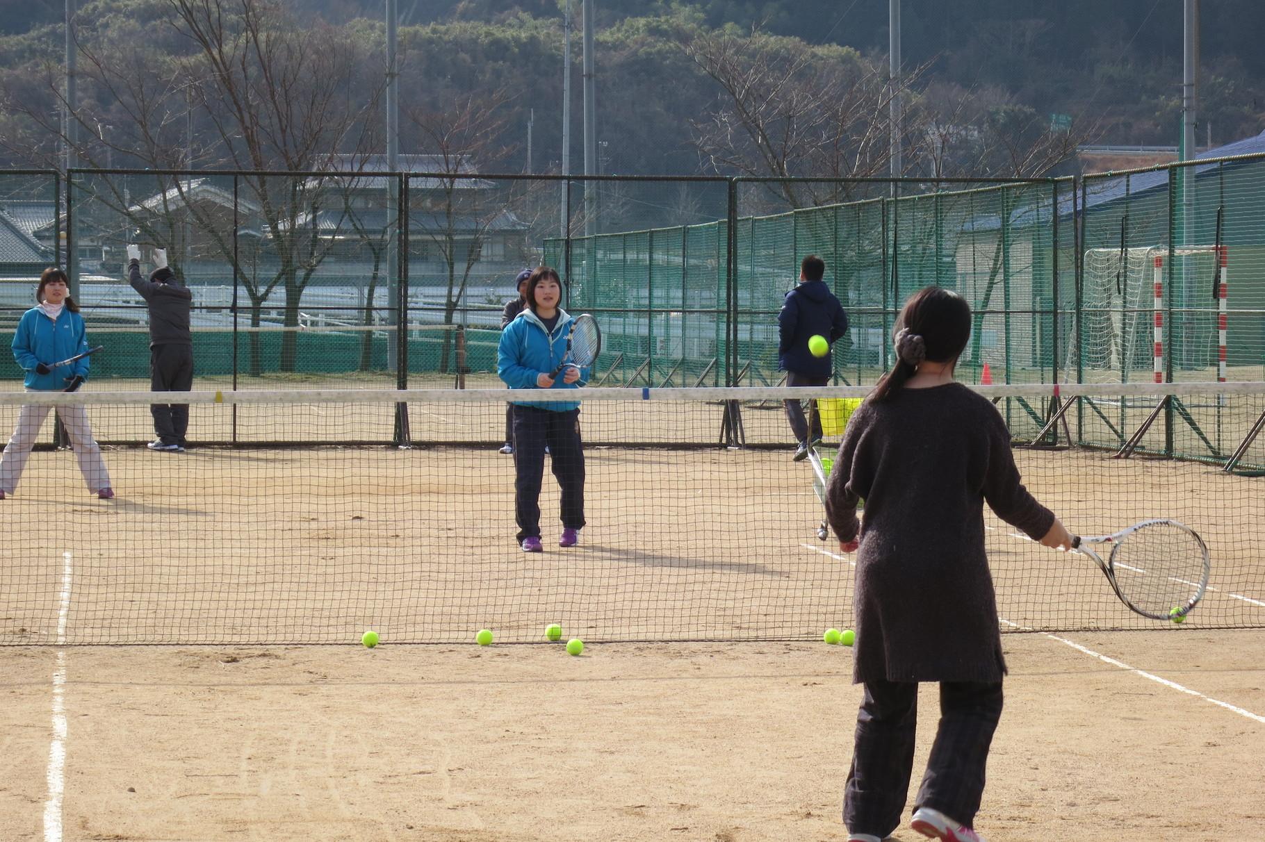 愛媛信用金庫テニス部さまによるテニス教室