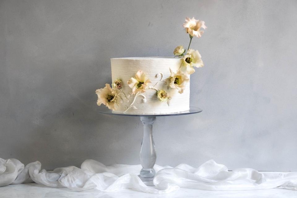 Romantische Blumenranke trifft süße Beerendolden (Foto: Süße Poesie)