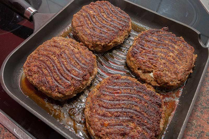 Griechische Bifteki-Mit Schafskäse gefüllte Frikadellen-Rezept