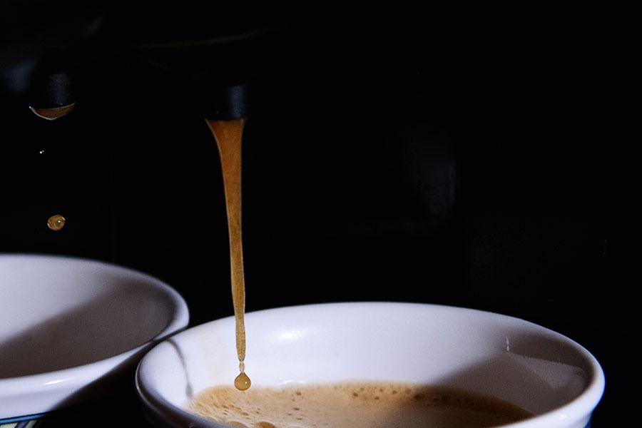 Kaffeemaschine entkalken mit Essig