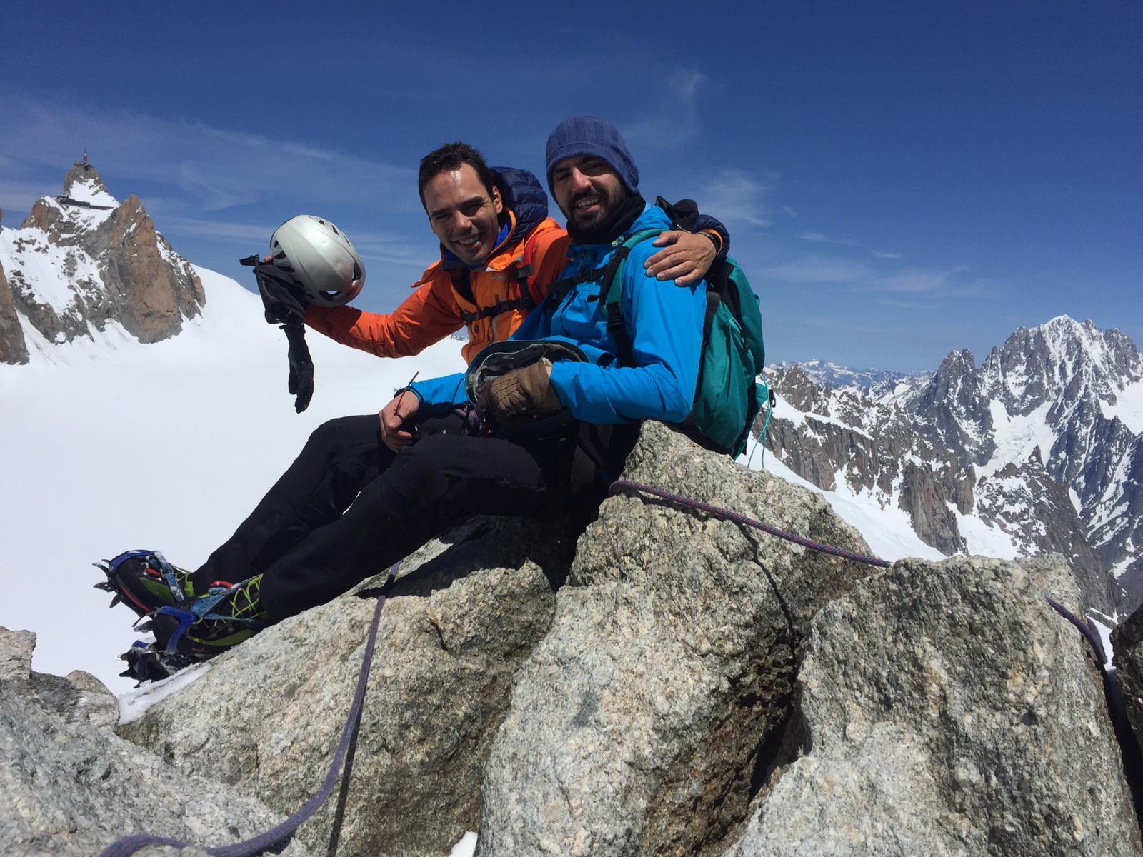 Alex et Raph au sommet de la Pointe Lachenal. Bravo !