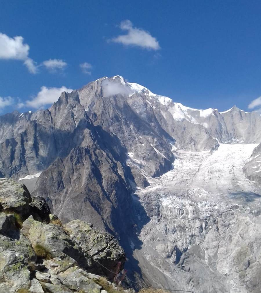 Du sommet, une vue magnifique sur le Mt-Blanc