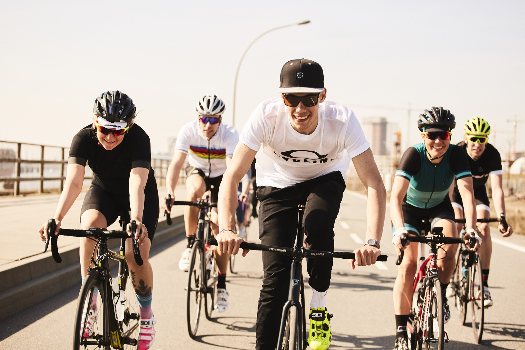Oakley erstmals mit Cycling Sessions auf Tour