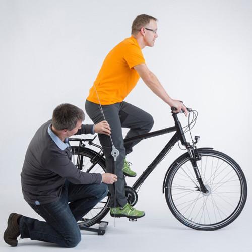 Ermittlung der richtigen Rahmenhöhe mit Winkelmesser © www.fahrrad-gesundheit.de