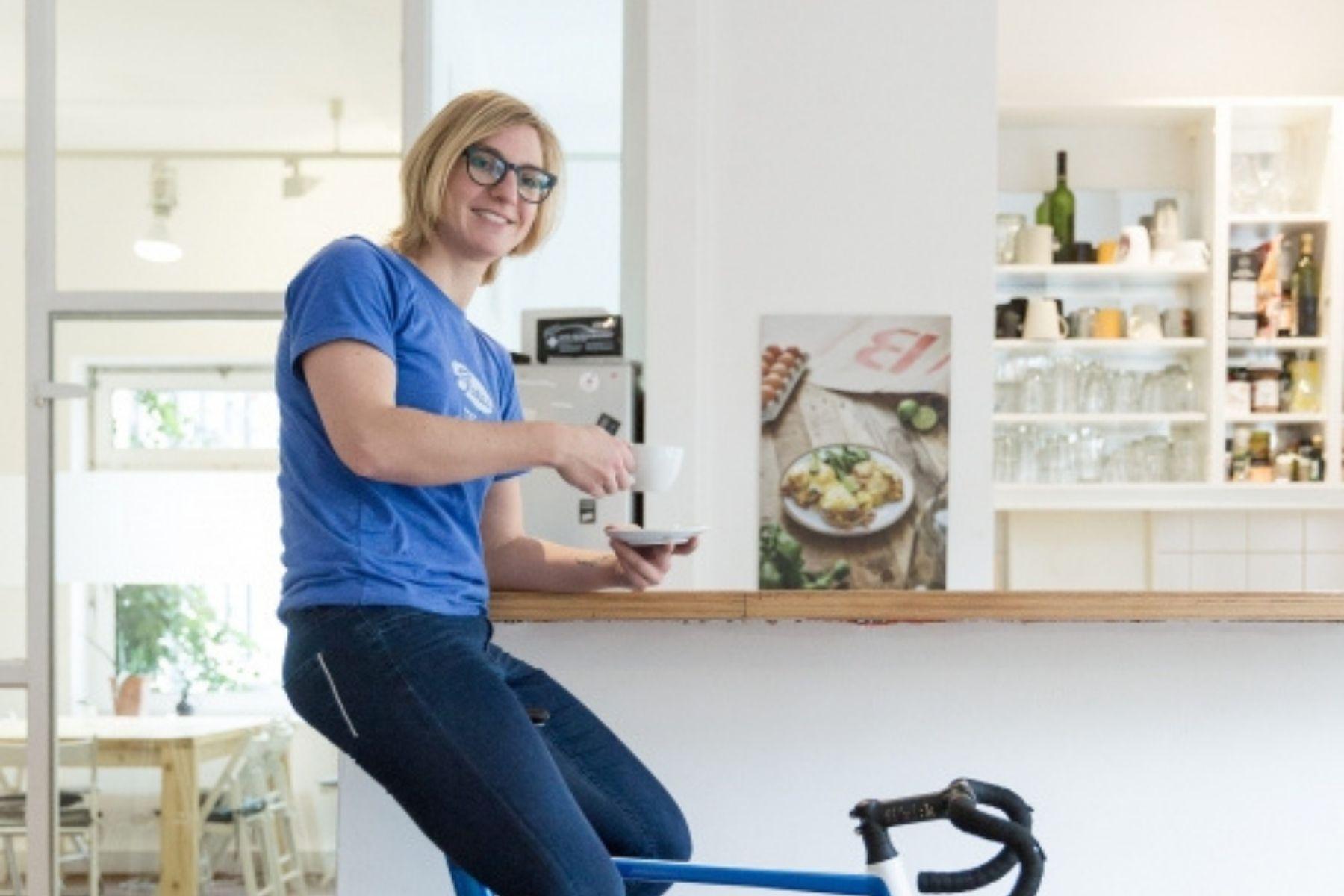 Karla Sommer: Außendienst in der Zweiradbranche — ziemlich allein unter Männern