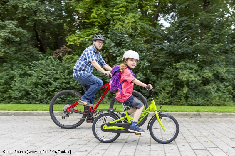 Kinder fit für den Schulweg machen – zehn Übungen