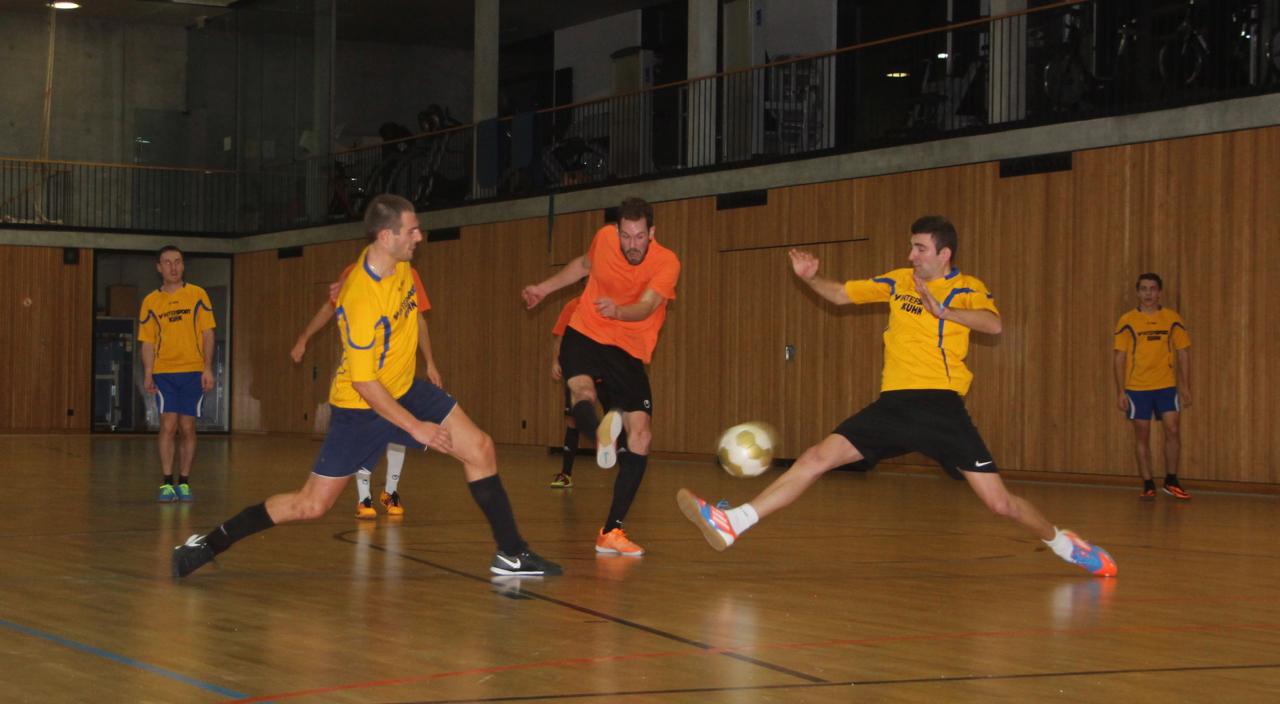 Peter Schoellhorn zum 1-4_Felix Huschle(links), Christian Goetze rechts_MTB-Soccercup 2017_by Goller