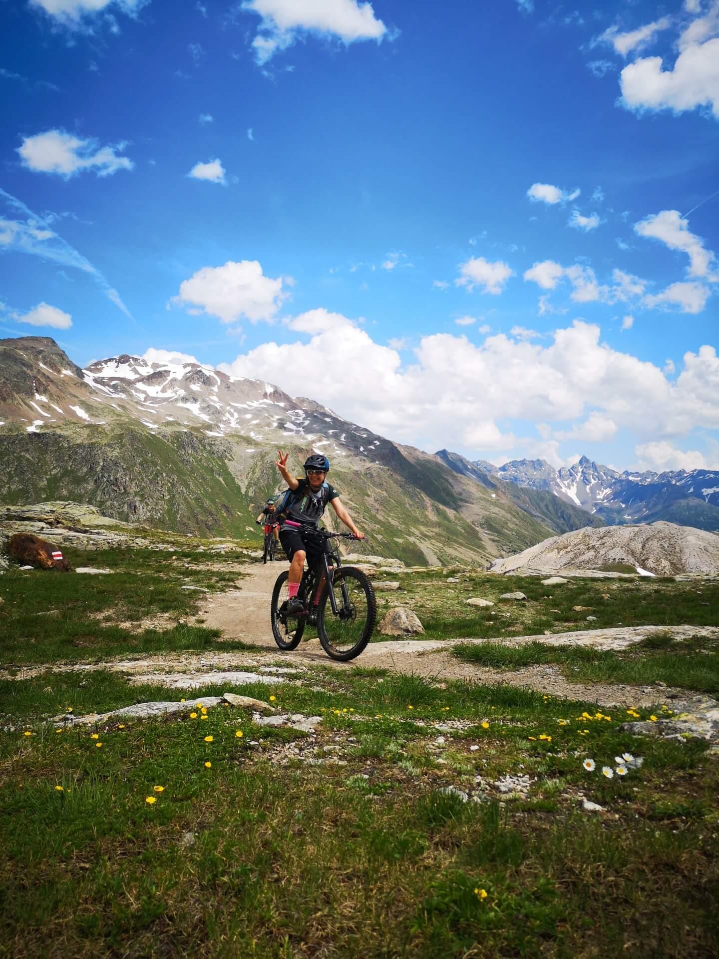 Schöne Aussichten für Mountainbikerinnen - Das Bike-Camp «GIRLSRIDETOO.DE