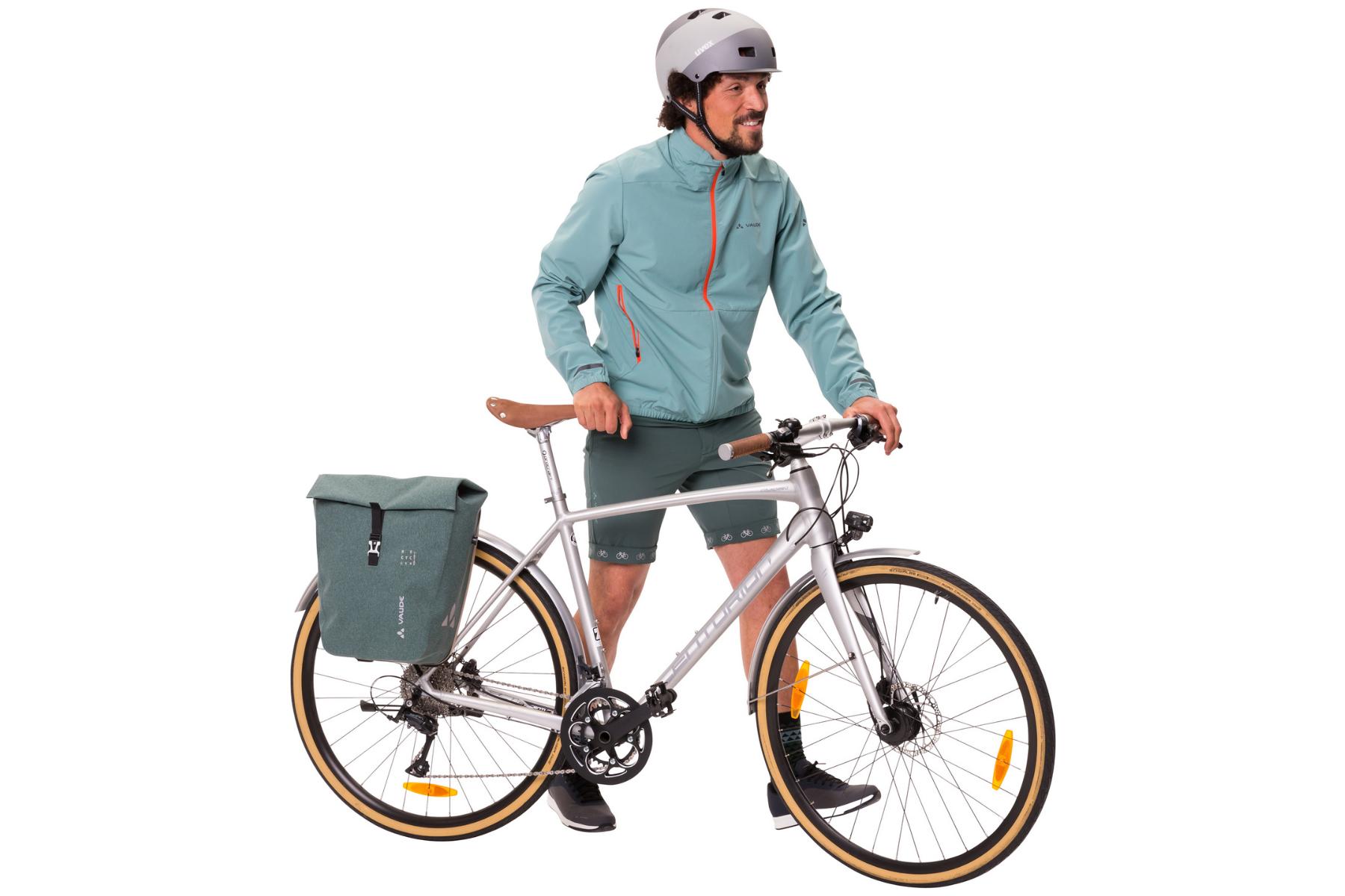 VAUDE bringt erste Fahrradtasche aus Recycling-Material auf den Markt