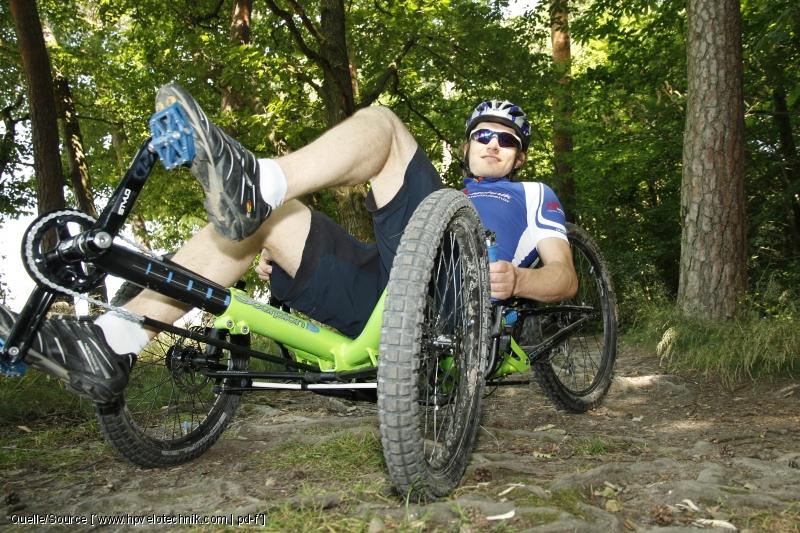 Eine Messskala am Tretlagerzieher hilft bei der Orientierung für die richtige Einstellung der Beinlänge.