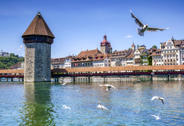 Die farbenprächtige Altstadt von Luzern ist ein Pflicht-Fotostopp für Radreisende. Bildnachweis: Radweg-Reisen