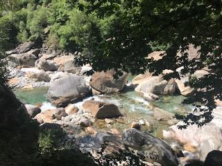 Das Wasser der Verzasca kann auch reissender sein