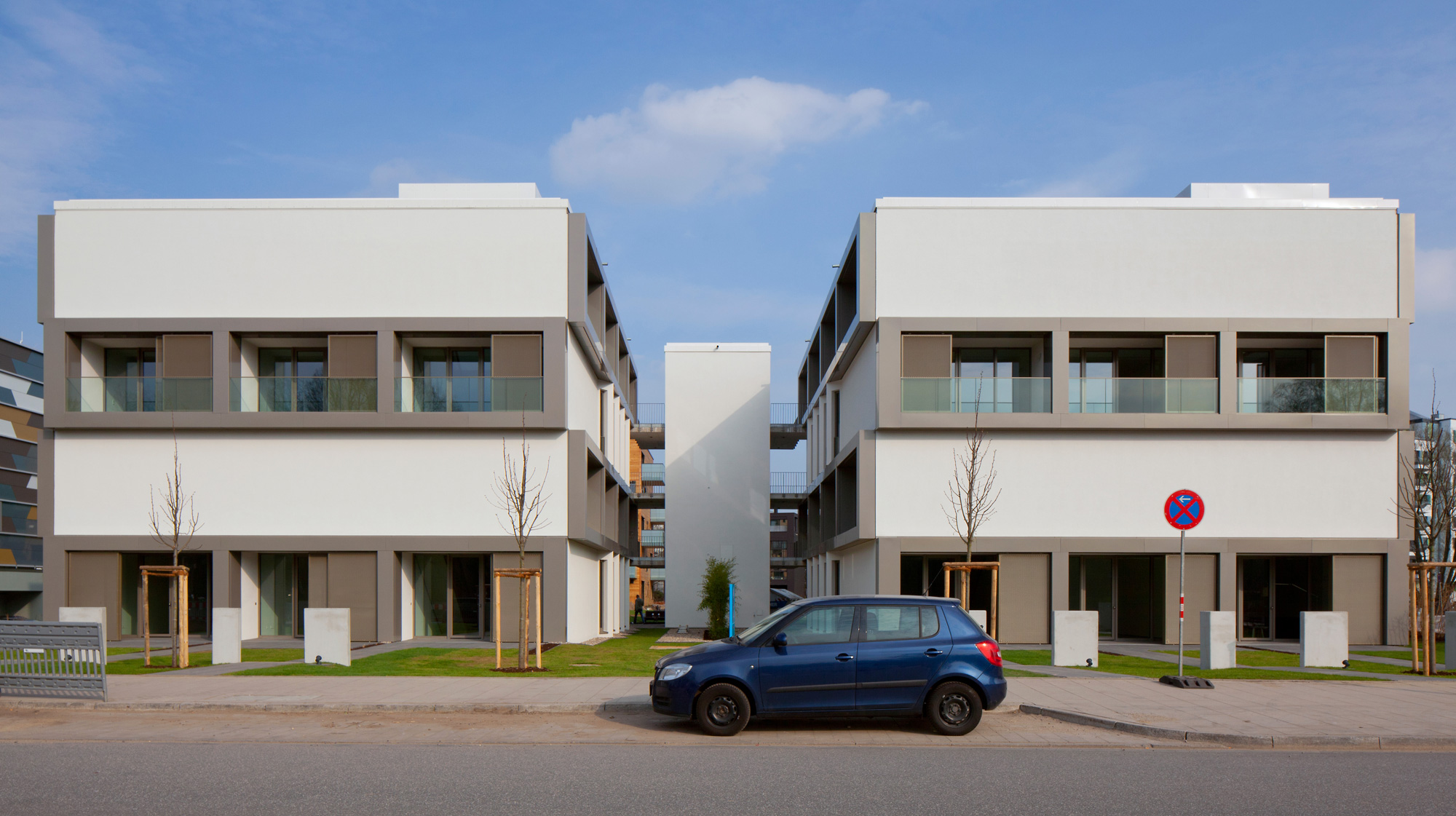 Hybridhaus vor Retusche