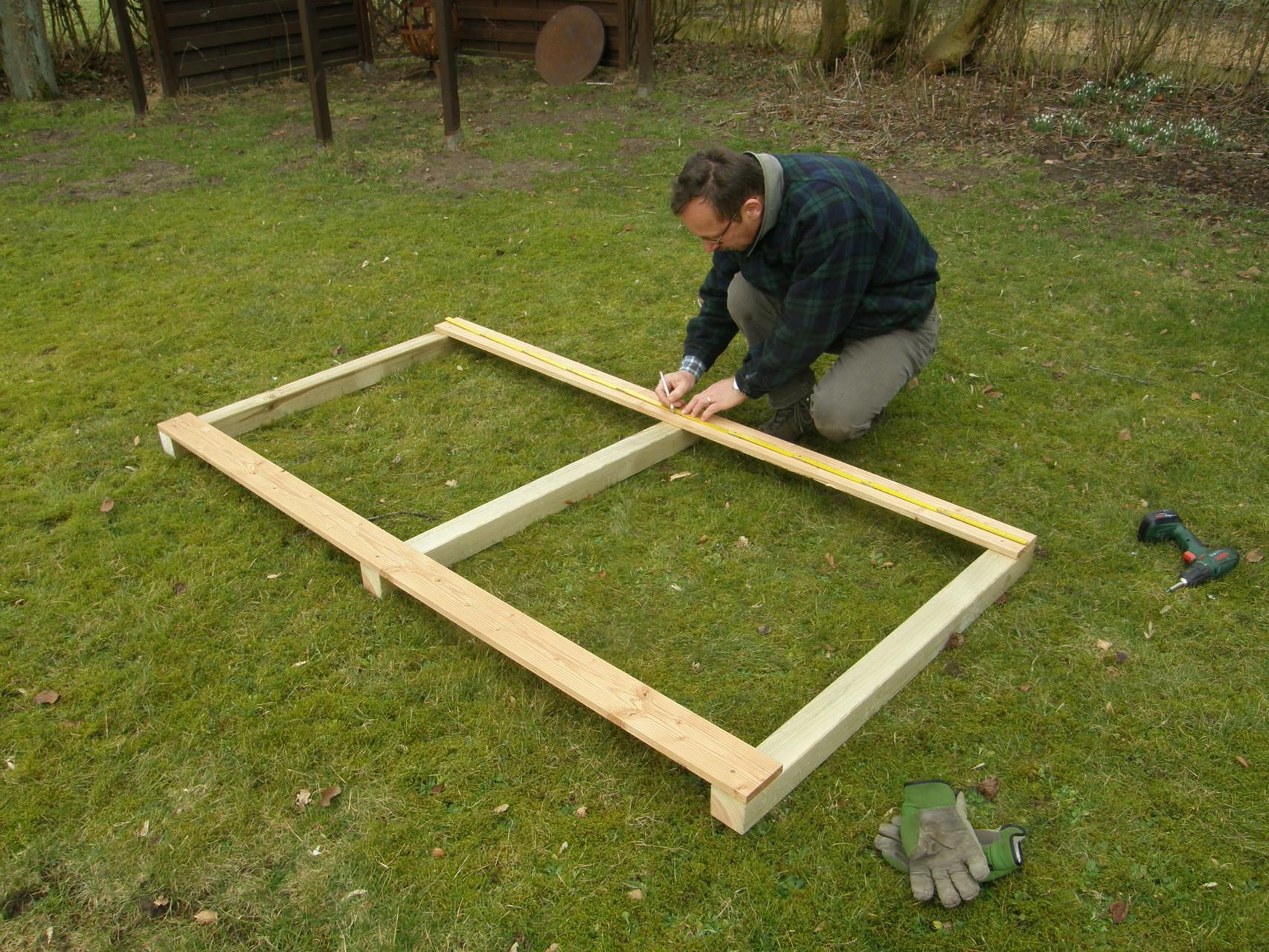 4. Rahmen für Seitenteil fertigstellen