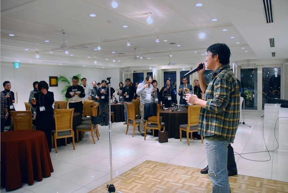 ニ次会開会の音頭は坪田くんから。