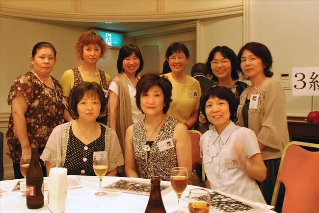6年3組のお嬢様連中。あまり変化がないぞ!後列黄色の服が西田さん。