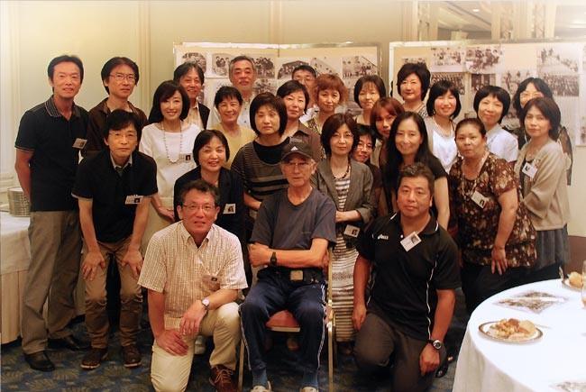 いきなりの集合写真。このあと西田さんが早々に退室。