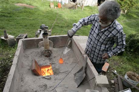 3 - Ouverture du four après cuisson à 1 200°