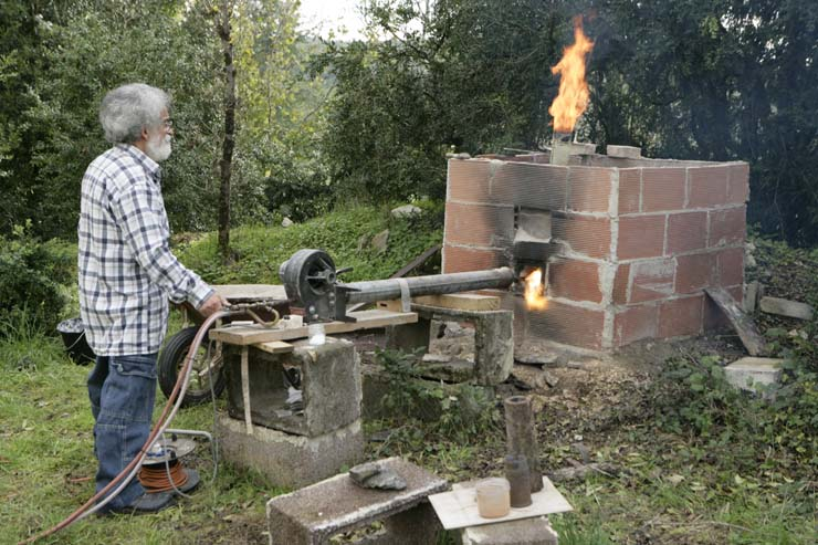 2 - Four et chalumeau fabriqués spécialement pour la cuisson des sculptures