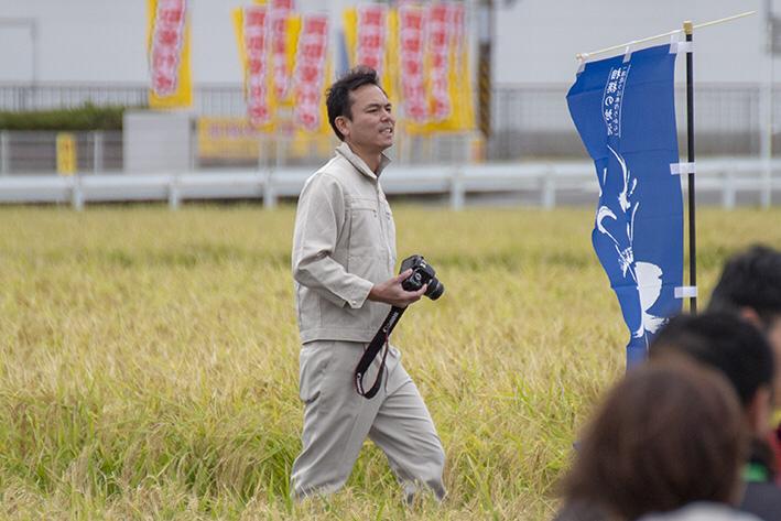 蔵の公式カメラマンは寺田副杜氏。ファインダーの向こう側は笑顔、笑顔、笑顔!