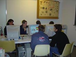 Verkehrskunde und Theorie Kurse. Für Autoprüfung, Motorradprüfung, Rollerprüfung und Motorbootprüfung, in Luzern. Dienstag und Donnerstag ab 19.00 Uhr.