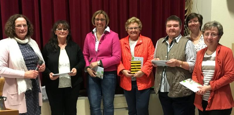 von links nach rechts: Hildegard Schuster (Präsidentin Landfrauenverband Hessen), Michaela Elbert, Susanne Fritsch, Ingeborg Gritsch, Irmtraud Quehl, Ulrike Scherer, Waltraud Fendel