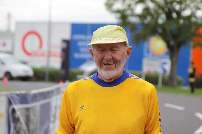 Josy Simon der neue Weltrekordler über 100 km in der AK80!