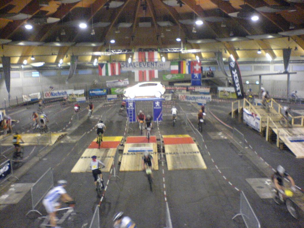 24 h Indoor MTB - WM Messehalle Freistadt