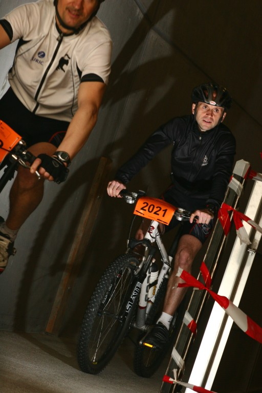 24-h Indoor Mountainbikerennen