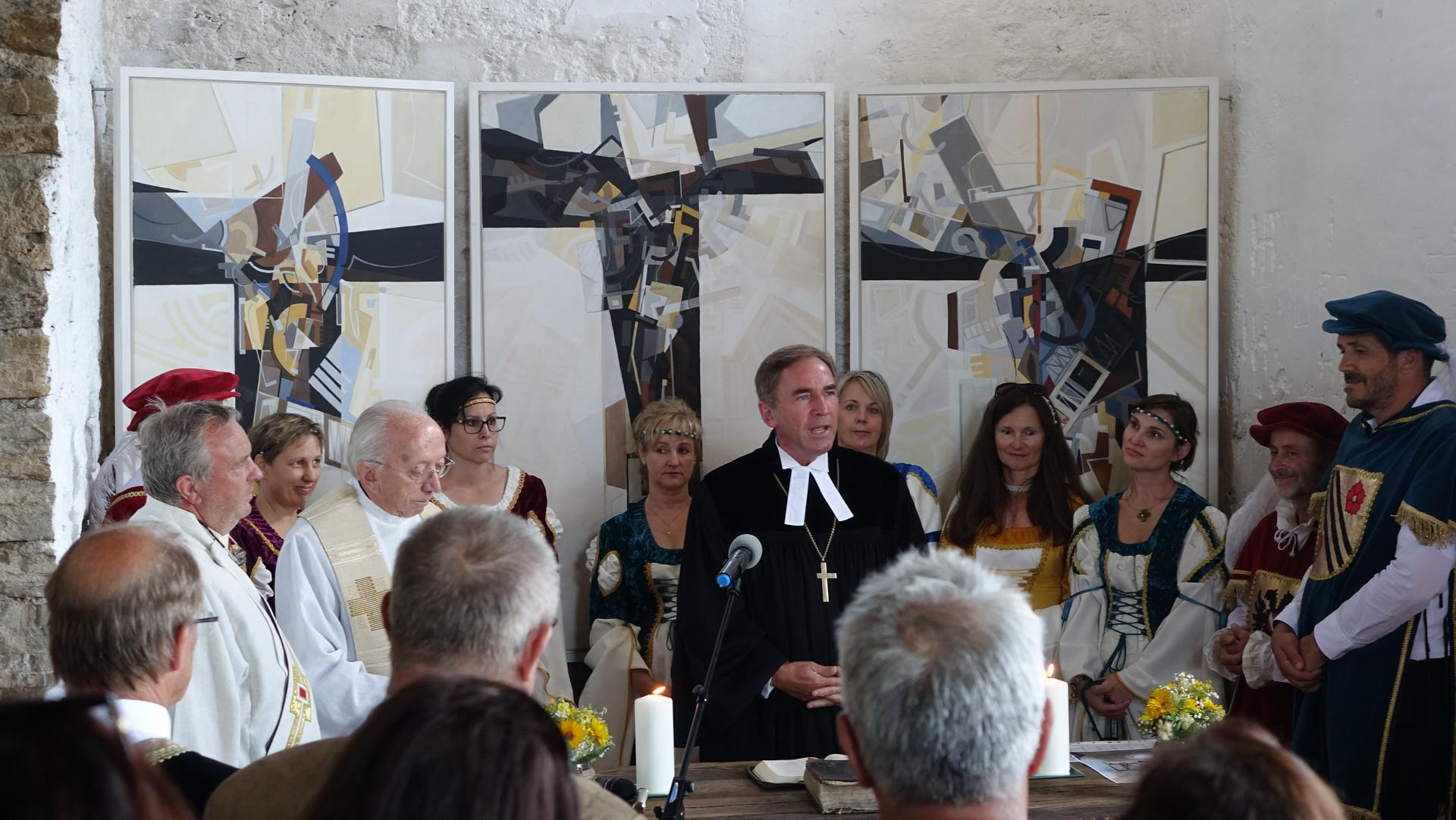 Die Segnung wurde gemeinsam von Superintendent Mag. Manfred Sauer,  Pater Mag. Anton Strigl und Diakon Ing. Michael Wedenig erteilt