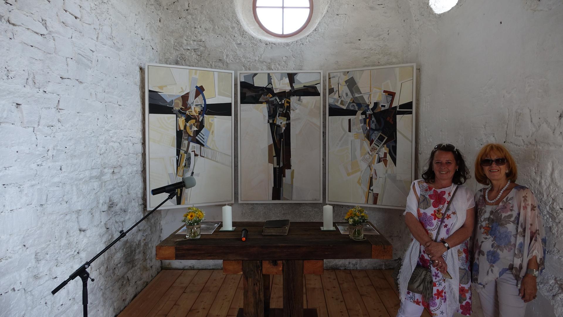 Heidi Ortner (rechts) und meine Frau Christa sichtlich zufrieden