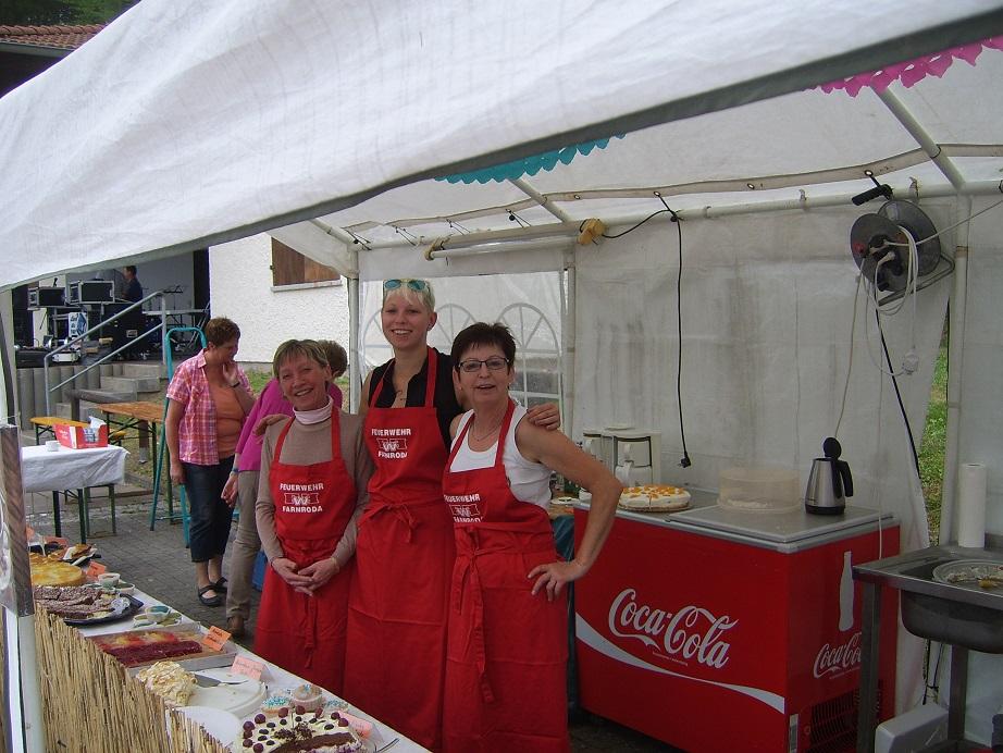Hier unsere Damen vom Kuchenverkauf!