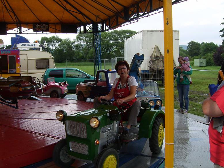 Karusellfahren für die kleinen- und großen Kinder!