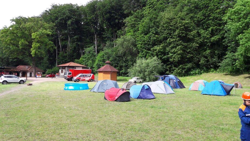 Jugendfeuerwehrzeltlager vom 16. bis 18.06.2017 im Schloßpark Farnroda!