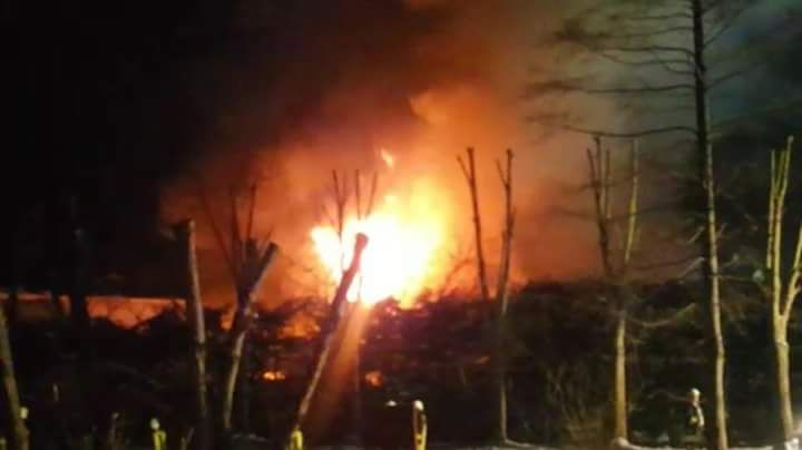 Die Flammen loderten meterhoch.