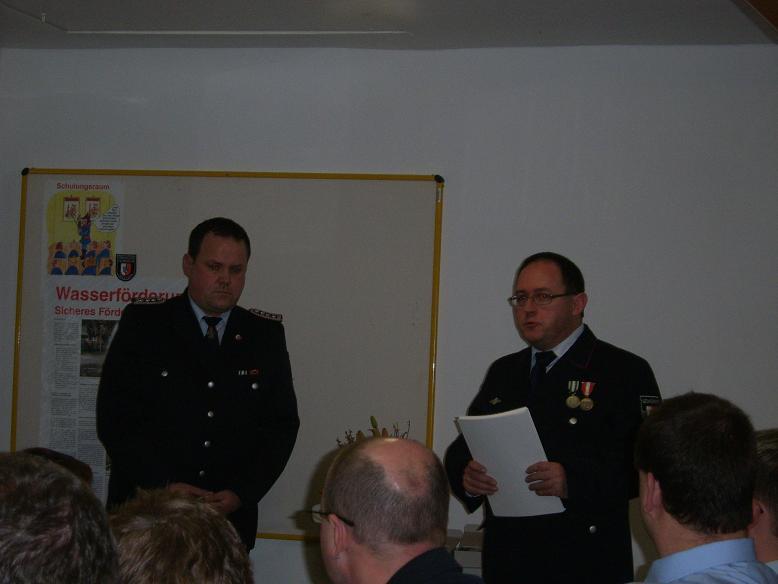 Unter anderem wurden 21 Kameradinnen und Kameraden der Wehr mit dem Fluthelferorden durch den Bürgermeister Torsten Gieß geehrt!