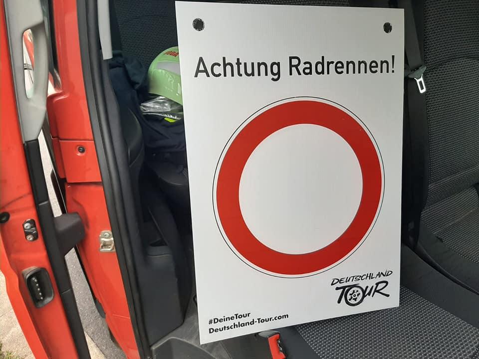 🚴♂️Absicherung Deutschland Tour🚴♂️  Auch wir unterstützten am Sonntag, den Veranstalter der Deutschland Tour, indem wir die Streckenabsicherung im Ortsgebiet, zusammen mit den Feuerwehren Wutha und Mosbach, übernommen haben.