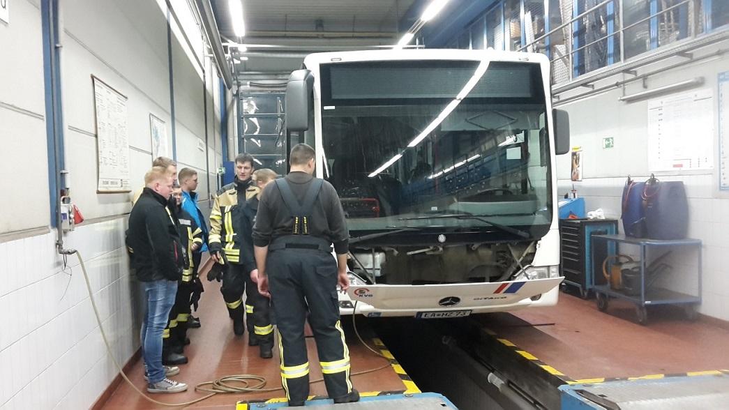 Aufbau der Fahrzeuge und Möglichkeiten der technischen Rettung wurden hier gezeigt.