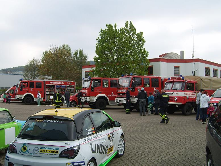 Osterfeuer / Technikschau KVG 2014 Auch hier haben wir uns mit beteiligt, vor allem mit unserer Technik und der Jugendfeuerwehr.