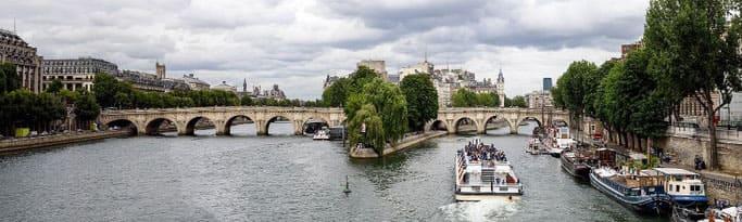 Paris Hop on Hop off mit Bootsfahrt