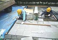 洗い出し平板舗装作業