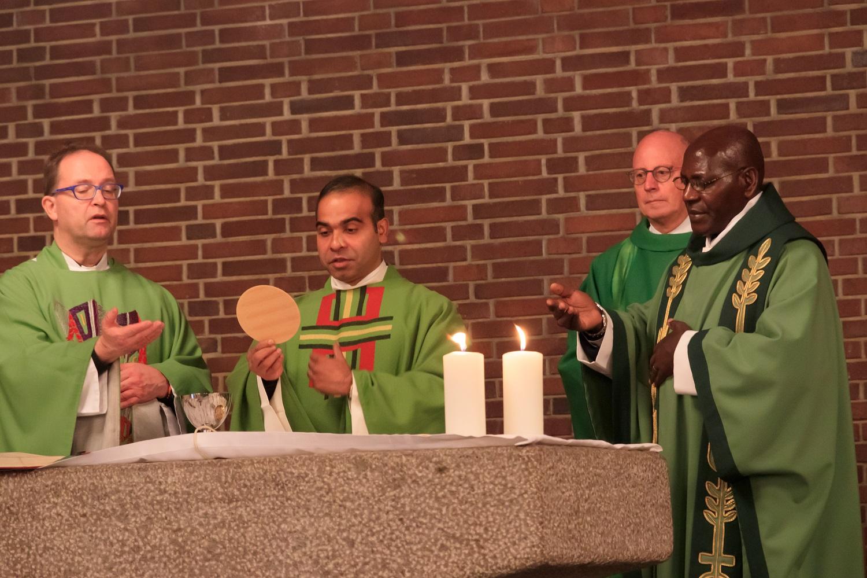 v.l.n.r.: Pfarrer Meiller, Pater Siby, Diakon Braun, Pfarrer Tanto