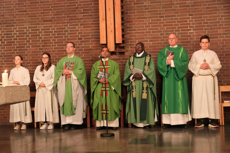 v.l.n.r.: Pfarrer Meiller, Pater Siby, Pfarrer Tanto, Diakon Braun
