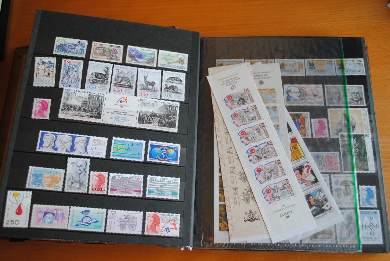 collection de timbres modernes neufs pr sidence. Black Bedroom Furniture Sets. Home Design Ideas