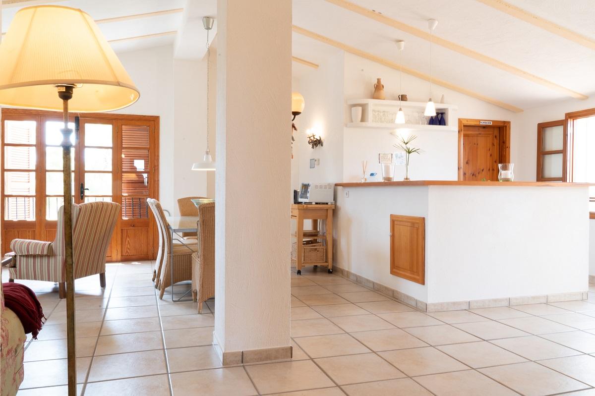 Wohnraum Apartment mit Zugang Küche