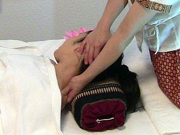 Kopf- und Nacken-Massage