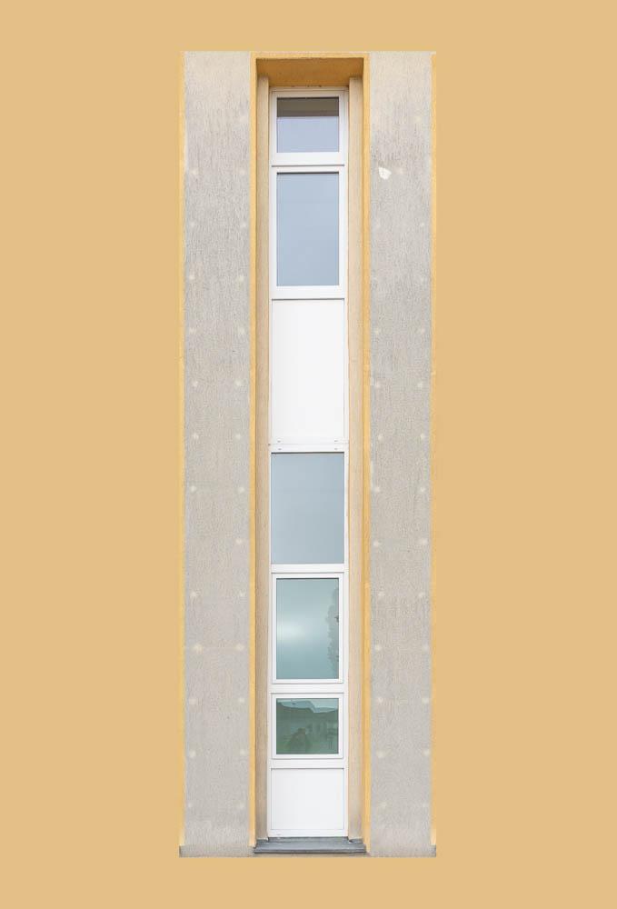 Eine Fensterzeile des Haupthauses des ehemaligen Rundfunkamtes Zehlendorf