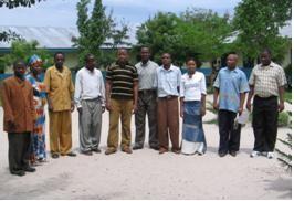 Das Lehrerkollegium an der Mbonea School in Dar es Salam (2007).