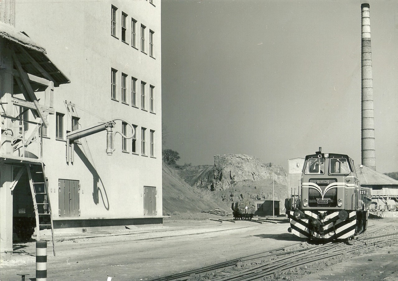 Lok 18 beim Hauptkunde der KB, die Steedener Kalkwerke