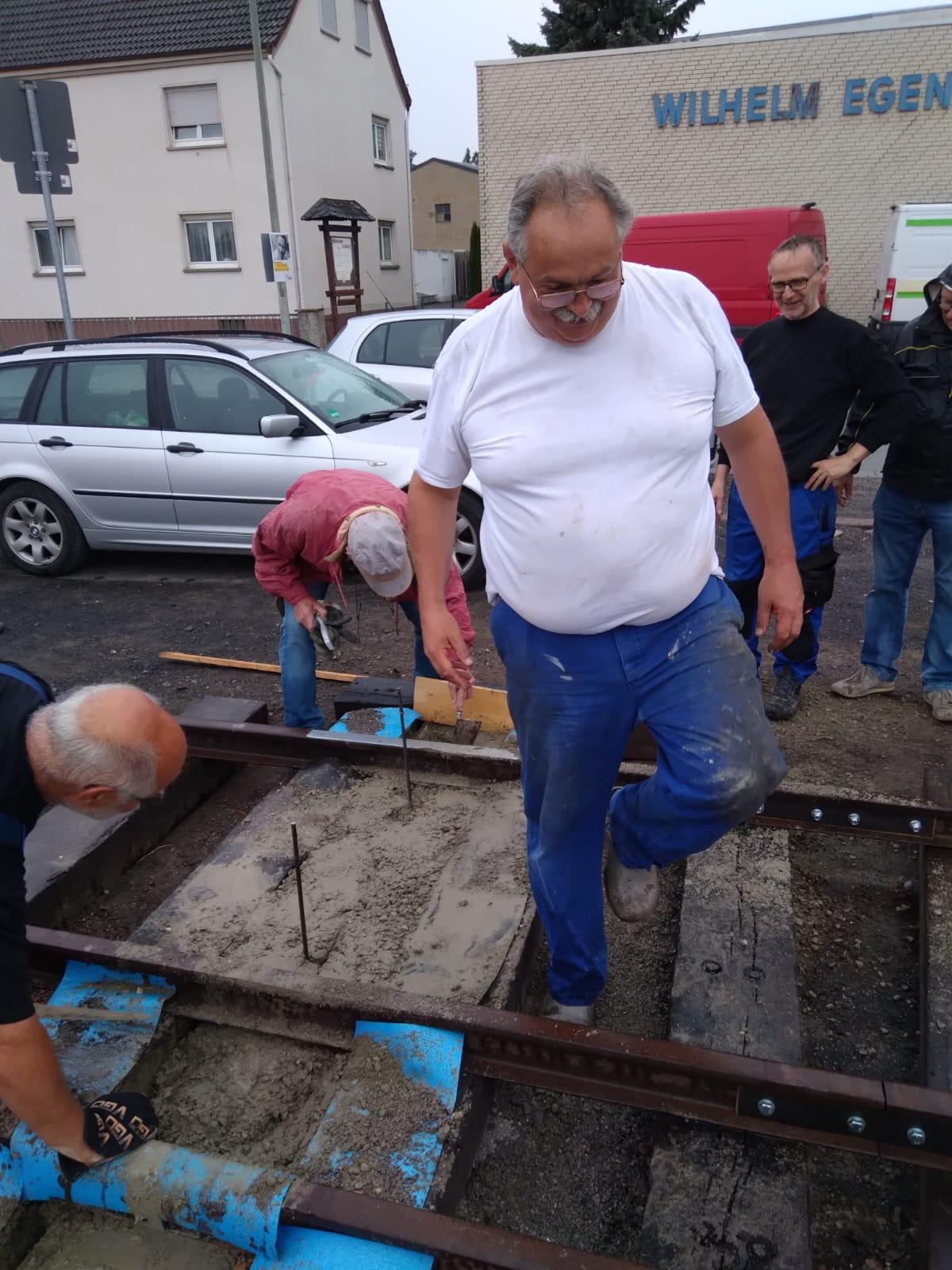 Dienstag den 17.08.21  Beton für die Fundamente wurde eingebracht